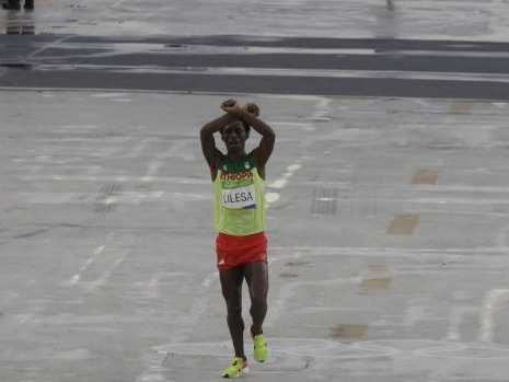Ethiopian Feyisa Lilesa wins silver at Rio Olympics but is too scared to return home