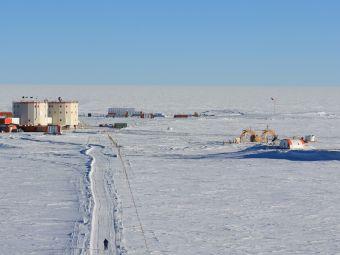 De la glace du massif du Mont-Blanc prélevée pour les générations futures