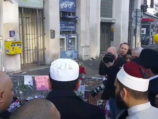 VIDÉO. Des imams entonnent la Marseillaise devant le Bataclan