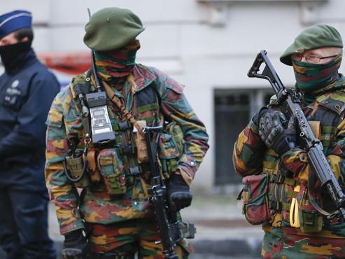 Les 3 terroristes présumés arrêtés ce weekend auraient prévu un carnage dans un autre lieu symbolique de Bruxelles, selon la DH