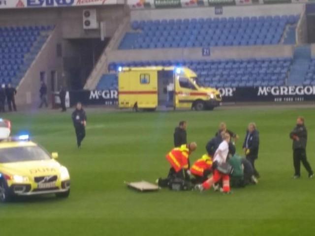 Gregory Mertens, le joueur de Lokeren, victime d'une crise cardiaque en plein match (photos)