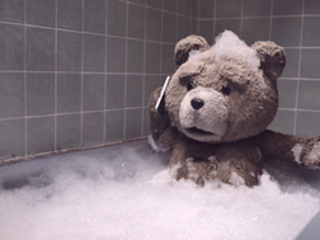 L'ours Ted invité surprise des Oscars 2013 (VIDEO)