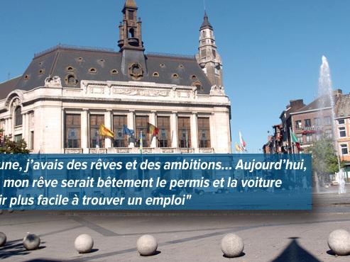 """Dimitri, 33 ans, s'inquiète de voir des agences d'intérim quitter le centre-ville de Charleroi: """"Je n'ai pas le permis"""""""