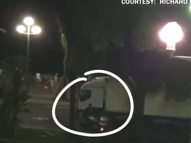 """Le héros au scooter à Nice témoigne: """"J'étais lucide et prêt à mourir pour l'arrêter"""""""
