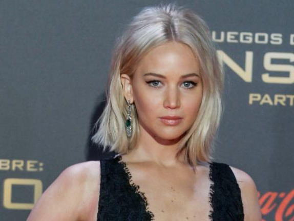 Jennifer Lawrence : Et une gamelle de plus ! VIDEO