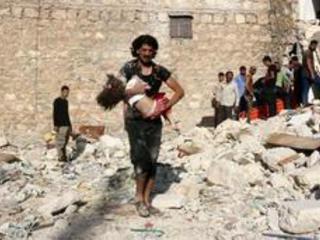 """Conflit en Syrie: les forces soutenues par Washington donnent à l'EI """"48 heures"""" pour quitter Minbej"""