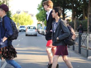 Journée de la jupe: le lycée Clemenceau de Nantes tagué, des dizaines de garçons déguisés
