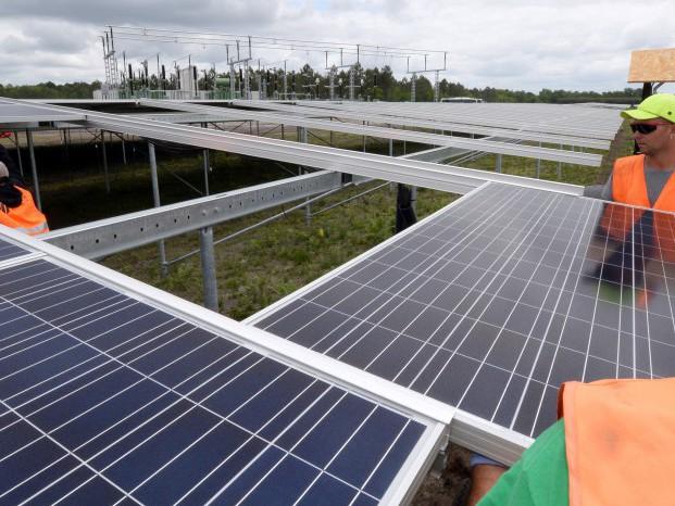 En Gironde, la future ferme solaire sort rapidement du sol