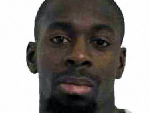 Agression d'un joggeur, explosion d'une voiture piégée: l'enquête sur Amedy Coulibaly s'accélère