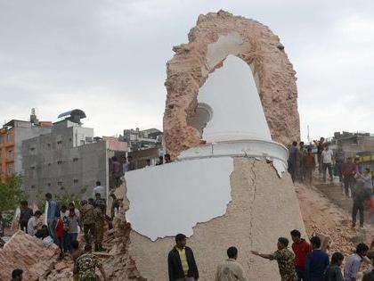 Séisme au Népal : l'héritage historique de Katmandou parti en fumée