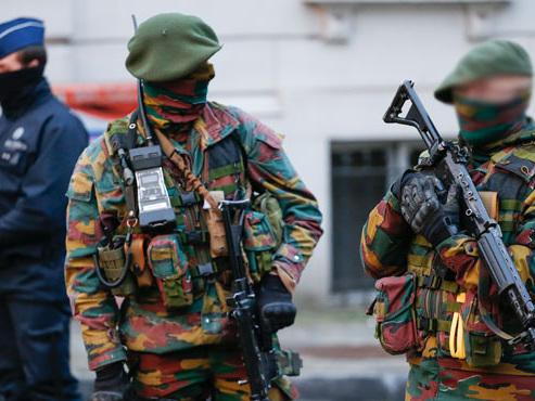 Menace terroriste: l'Etat islamique vise les militaires belges