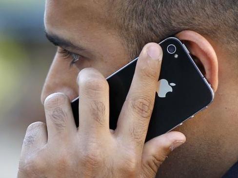 Tout ce qu'il faut savoir sur son forfait de téléphone portable pour éviter les pièges de facturation avant de partir en vacances à l'étranger