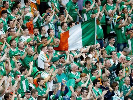 Euro 2016: la médaille de Paris aux fans irlandais pour leur esprit sportif