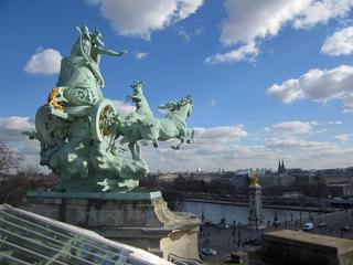 Paris nouveau, Paris rétro, Paris insolite (Des racines et des ailes).