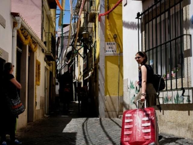 Lisbonne: Alfama, un quartier typique menacé par le tourisme