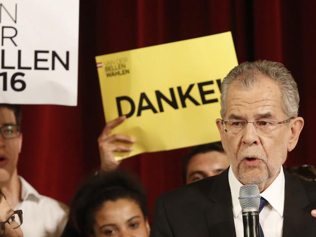 Alexander Van der Bellen remporte l'élection et devient le premier président écologiste d'Autriche