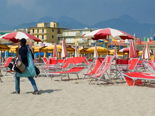 """L'allarme della Bild: """"Jihadisti pronti a farsi esplodere sulle spiagge di Italia, Francia e Spagna"""""""