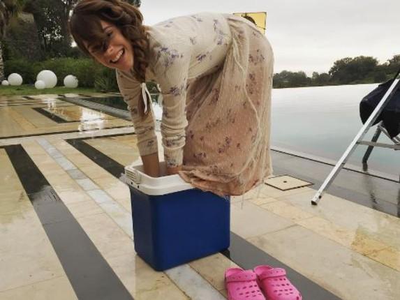 Martina Stoessel, che freddo a Buenos Aires! Si ripara così FOTO