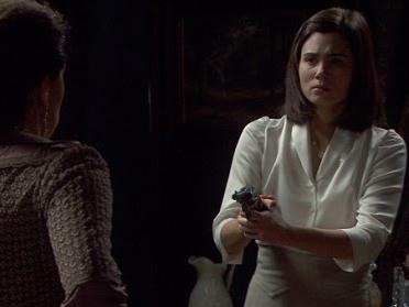 Il Segreto: Video puntata 21 maggio 2016 - Maria minaccia Francisca con una pistola!
