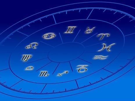 Oroscopo luglio: segni di acqua e aria, ecco le previsioni per i sei dello zodiaco