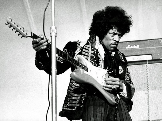 Jimi Hendrix oggi avrebbe compiuto 74 anni: i dieci brani da conoscere assolutamente