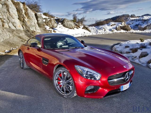Mercedes AMG GT S: la video prova su strada