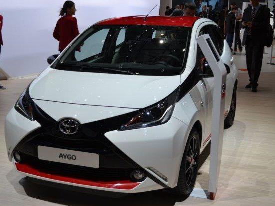 Nuova Toyota Aygo, arriva la cabrio: prezzi, consumi e motore [FOTO]