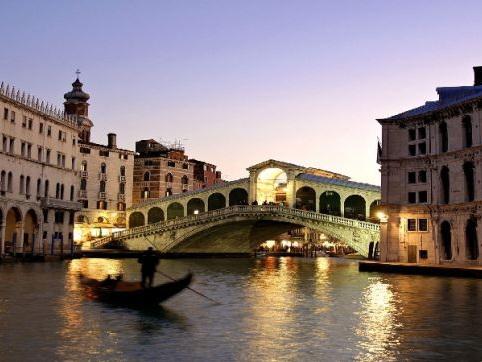 Turismo, crescono le presenze straniere: +1,8% negli ultimi 12 mesi, boom in Veneto