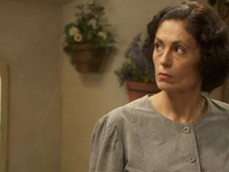 Il Segreto, anticipazioni 4 agosto: Rita viene seguita, Aurora ammette di amare Conrado