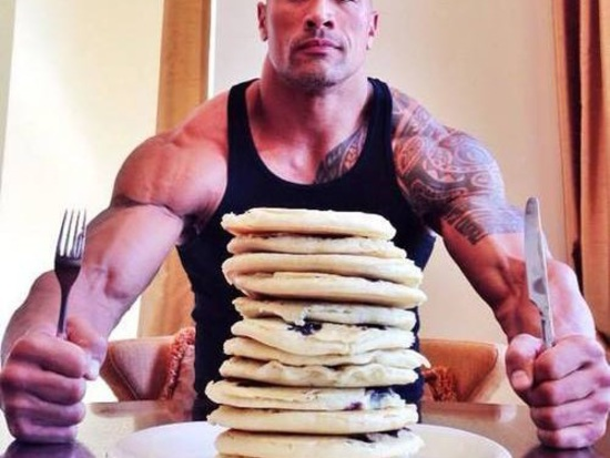Il granitico Dwayne Johnson svela via Twitter la sua incredibile dieta