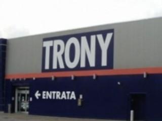 Volantino offerte Trony e Auchan a confronto: Samsung galaxy S3, PS4 e Notebook