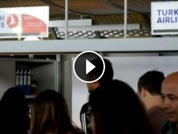 Turchia, voli cancellati per il golpe da e per Istanbul: passeggeri in attesa da ore a Fiumicino
