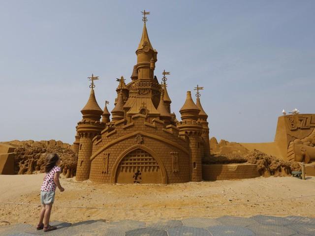 "Sculture di sabbia al Festival ""Frozen Summer Fun"" a Ostenda [FOTO]"