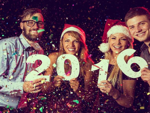 Siti e app Android e iOS per gli Auguri di Buon Anno 2016 su iPhone, WhatsApp, Facebook e Twitter a tutti gli amici e i parenti