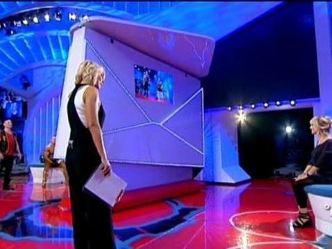 L'ex fidanzata lo rifiuta anche in Tv, per vendetta accoltella il nuovo compagno