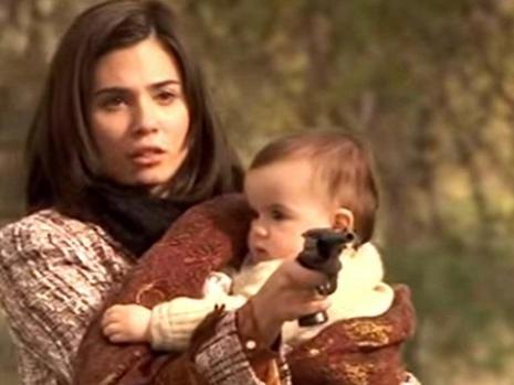Anticipazioni Il Segreto terza stagione, episodio 985: Maria spara a Francisca e si uccide