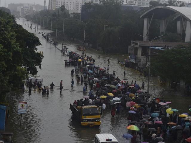 Drammatiche alluvioni in India: 270 morti, migliaia di evacuati e il peggio deve ancora arrivare [FOTO]