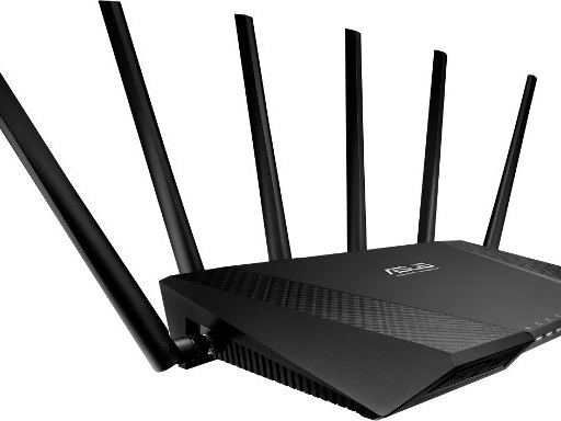 ASUS lancia il router tri-band ultraveloce RT-AC3200