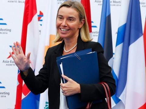 Il Telegraph frusta la 'comunista' Mogherini: 3 milioni per comprare porcellane, lei nega