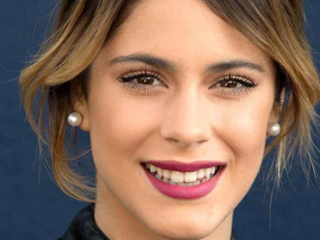 Martina Stoessel: Il dolce messaggio che commuove i fan di Violetta! (video)