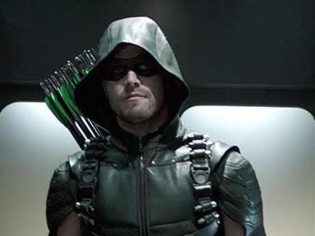 Le verità della lunga notte di Arrow 4: Damien Darhk e Felicity Smoak legati? Promo episodio 4×05