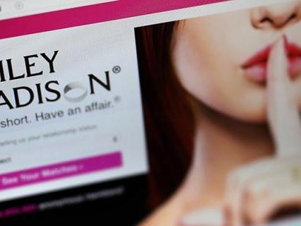 Hacker attaccano Ashley Madison, il noto sito di incontri per uomini sposati