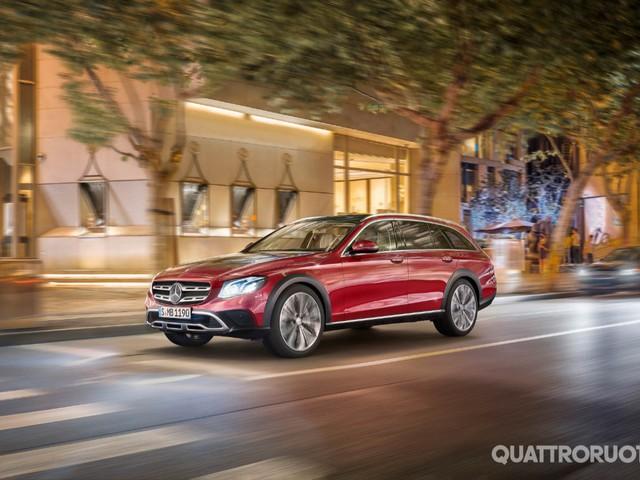Mercedes-Benz Classe E SW - A Parigi debutta la All-Terrain