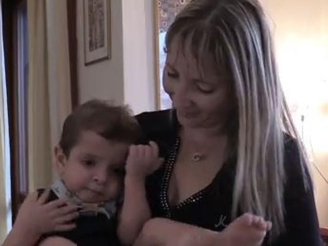 """Il figlio è disabile, all'asilo nido le suore lo discriminano. La mamma: """"Mi hanno detto: proprio qui lo devi iscrivere?"""""""