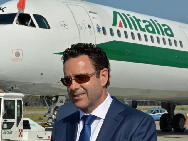 Alitalia, Cramer Ball si scusa con i passeggeri per lo sciopero di martedì che porterà a cancellare 142 voli