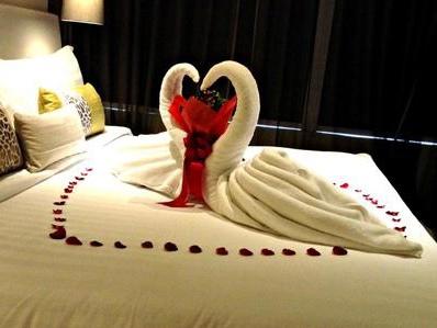 Come piegare un asciugamano a forma di cigno