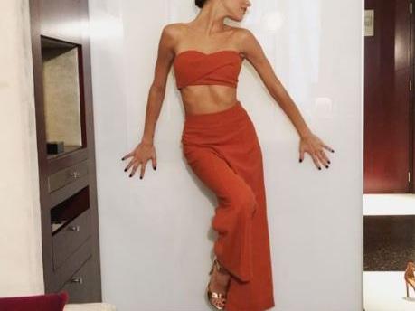 Martina Stoessel sempre più chic: ogni outfit un successo FOTO