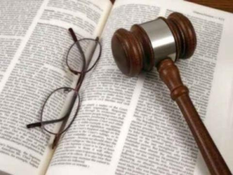 Scuola e ricorsi precari: sconfitta e risarcimento 'beffa' dietro appello sentenza UE