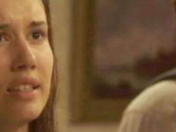 Il Segreto trame aprile: Aurora rivela a Tristan di essere sua figlia, lui la caccia via