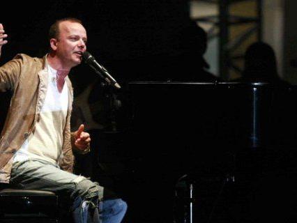 Info Gigi D'Alessio live a Taranto: biglietti, orari e scaletta